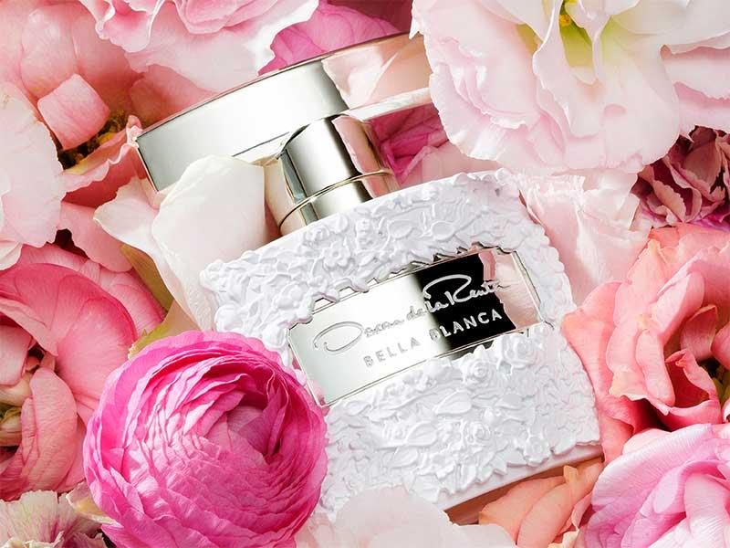 Los patrones florales de Oscar de la Renta hechos perfume