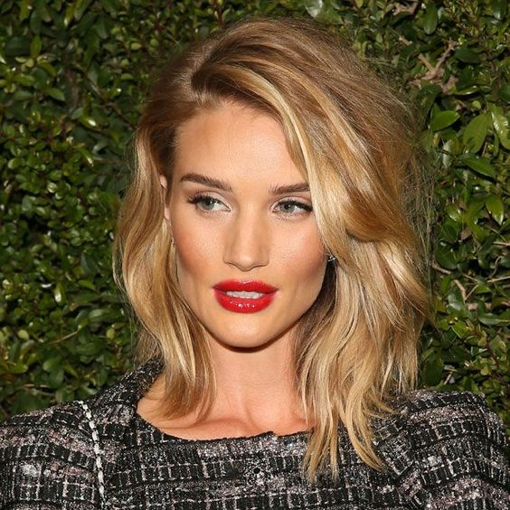 Seis peinados para adelgazar la cara y cómo lograrlos