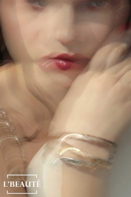 Rouge Allure Laque en 66 Permanent, Les Beiges Sheer Healthy Glow Highlighting Fluid. Brazalete, Coco Crush.